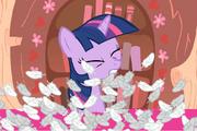 Побей подушкой пони